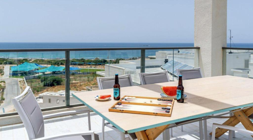 Israel Achziv Beach view apartment