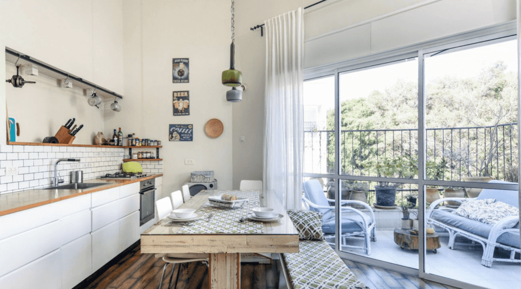 Tel Aviv Apartment With Balcony and Roof Top